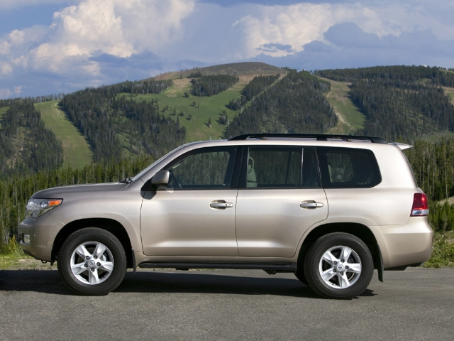 Toyota Land Cruiser 200 (2008) Фото 3