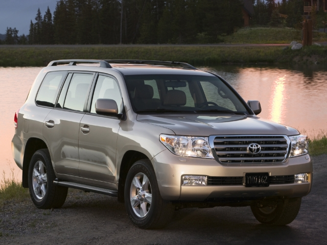 Toyota Land Cruiser 200 (2008) Фото 4